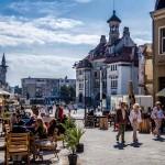 Fotoreportaj: În sfârşit, turiştii străini se comportă firesc în Constanţa!