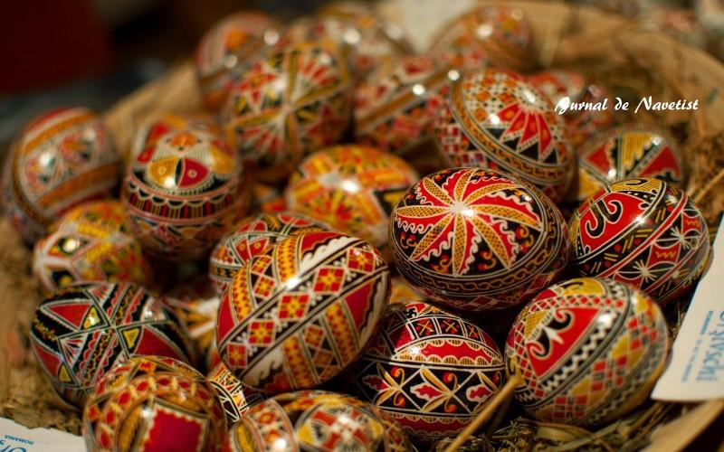 Un capolavoro su un uovo di pasqua viaggio nelle tradizioni della romania jurnal de navetist - Uova di pasqua decorati a mano ...