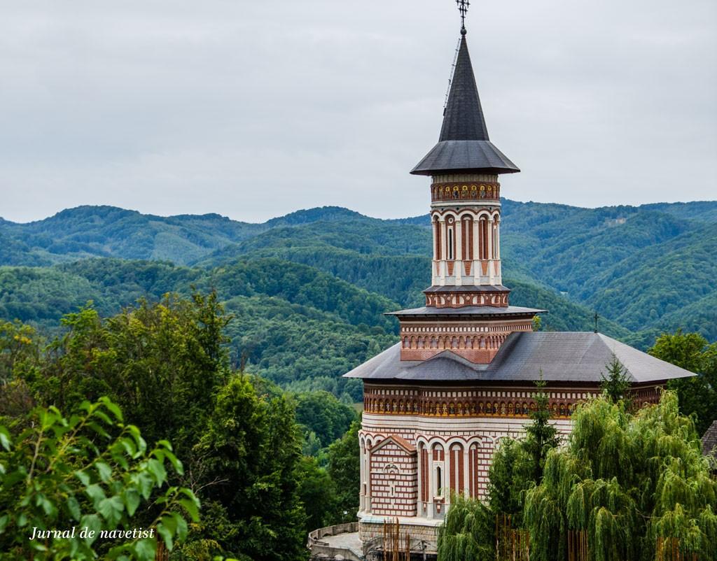 Manastire-2BRohia