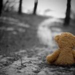 Copiii singuri își doresc de la Moș Crăciun o familie prietenă