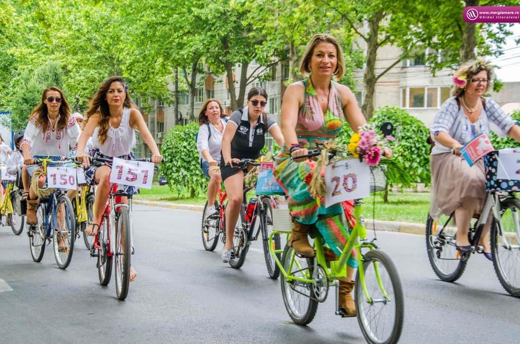 06 Skirt bike 1