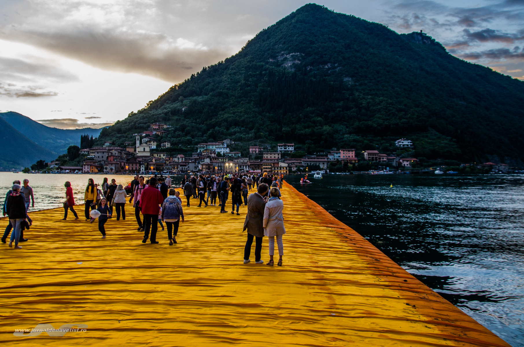 The Floating Piers 7896