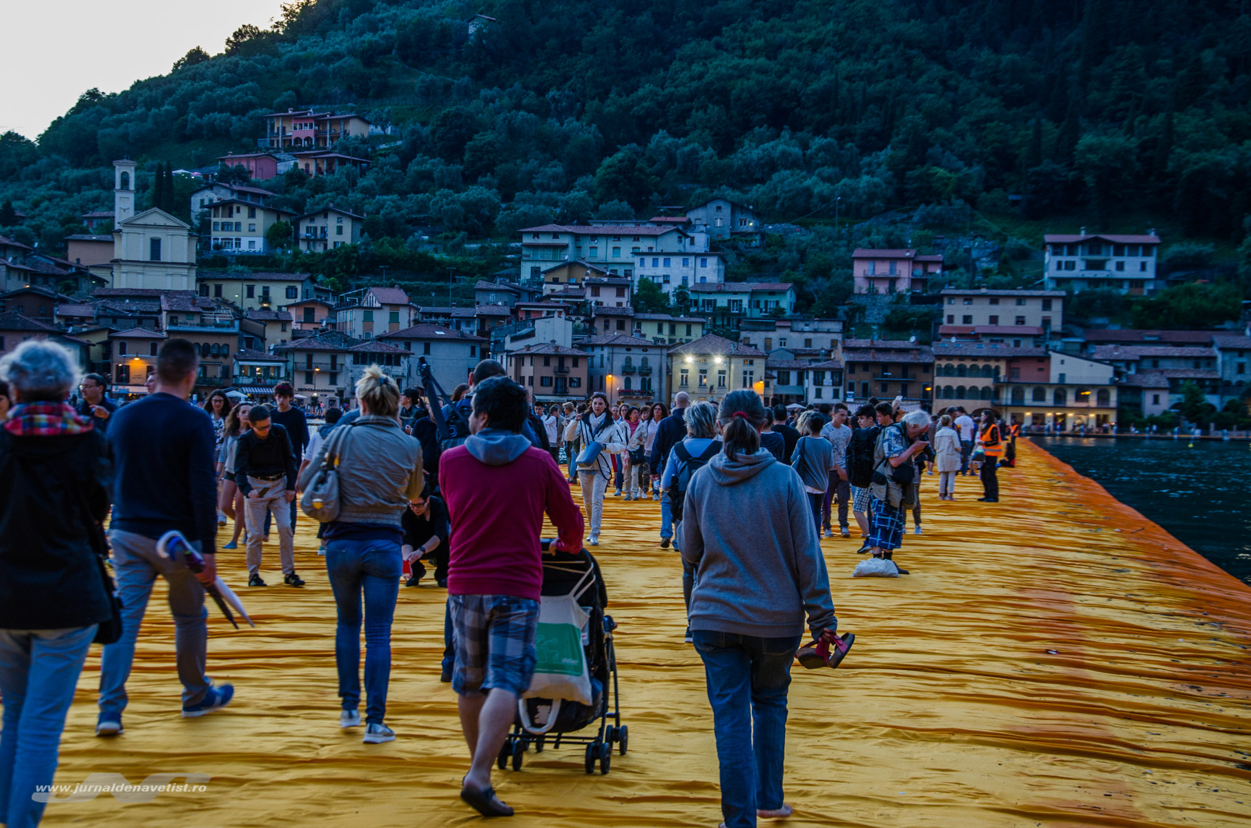 The Floating Piers 7920