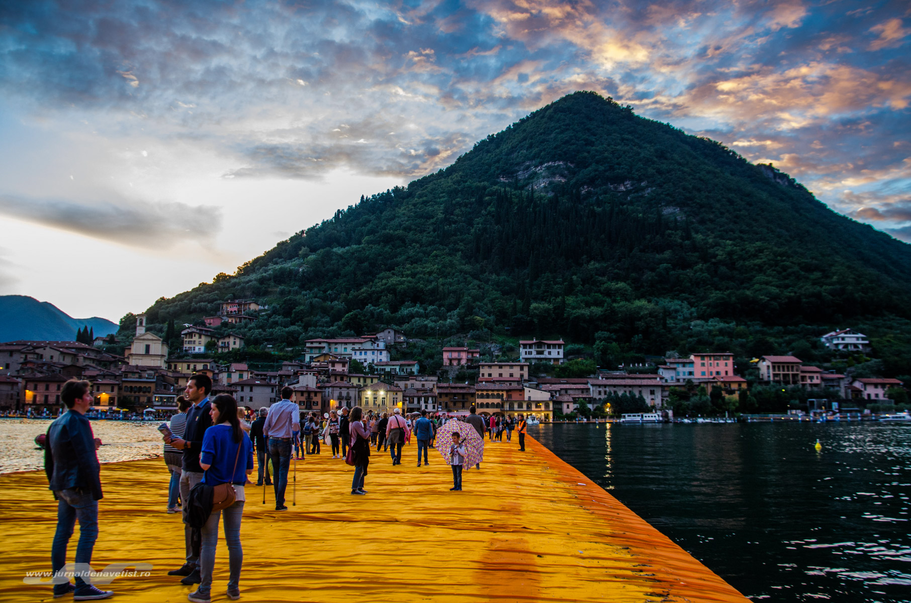 The Floating Piers 7983