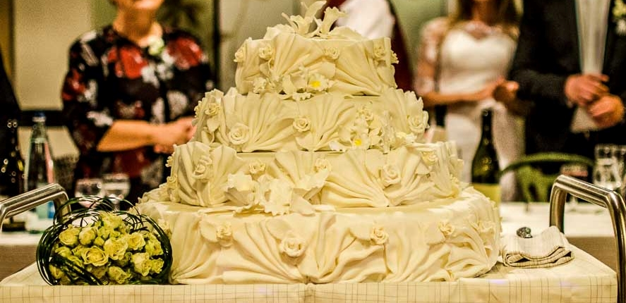 tort nunta dantelat